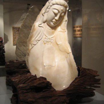 Märchenfiguren aus dem Daetz-Centrum 6: Die Göttin der Barmherzigkeit