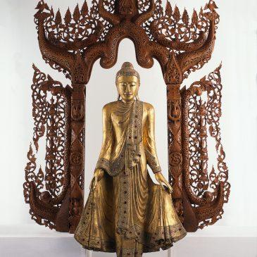 Märchenfiguren aus dem Daetz-Centrum 17: Mandalay-Buddha