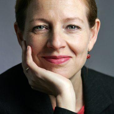 Märchen-Expertin Silke Fischer, Direktorin von MÄRCHENLAND, ist ebenfalls Jurymitglied und freut sich auf viele kreative Einsendungen!