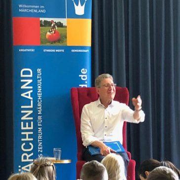 PolitikerInnen erzählen Märchen – mit dem Lahrer Oberbürgermeister Dr. Wolfgang Müller